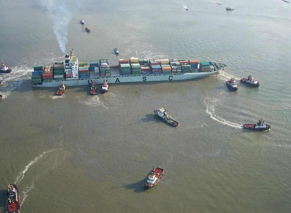Salvage Refloating operation FOWAIRET, River Scheldt Source: Peter Buteijn